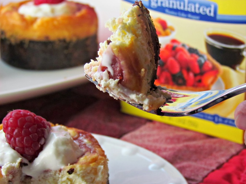 Raspberry Marbled Mini Cheesecakes with SPLENDA No calorie Sweetener #Moms4JNJConsumer #ad