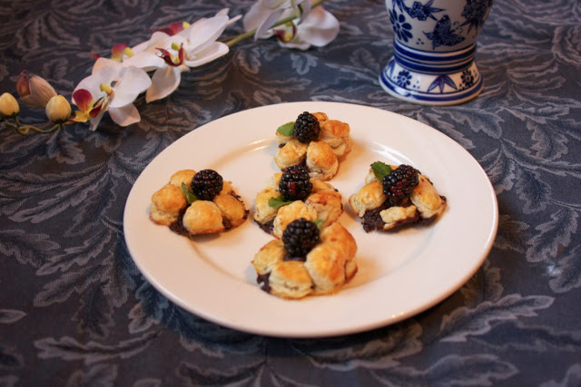 puff pastry chocolate flower: Simple Living and Eating
