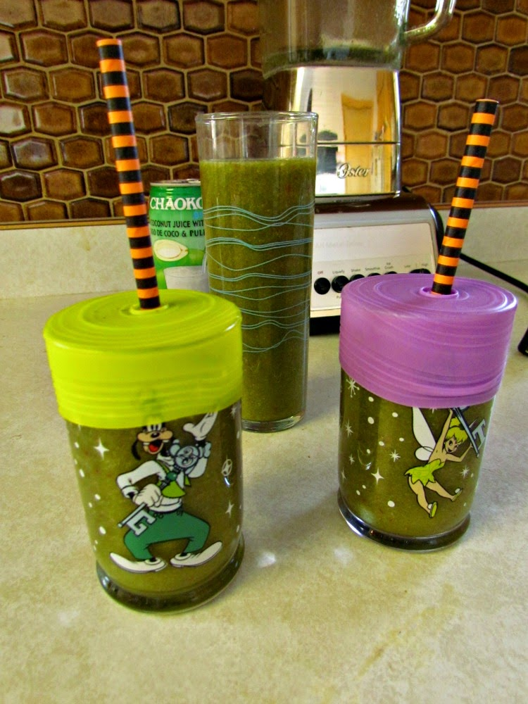 Strawberry Coconut Green Smoothie with Silikids Straw Tops