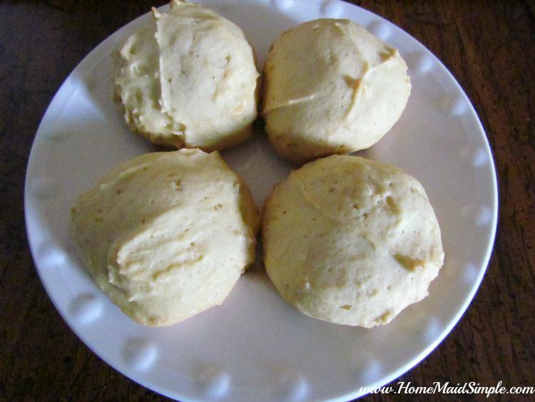 Panlevi. Aruban Sponge Cookies