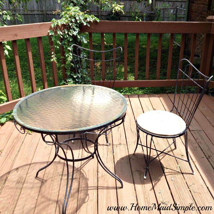 Breathe life into an old patio set with a little paint and new seating.