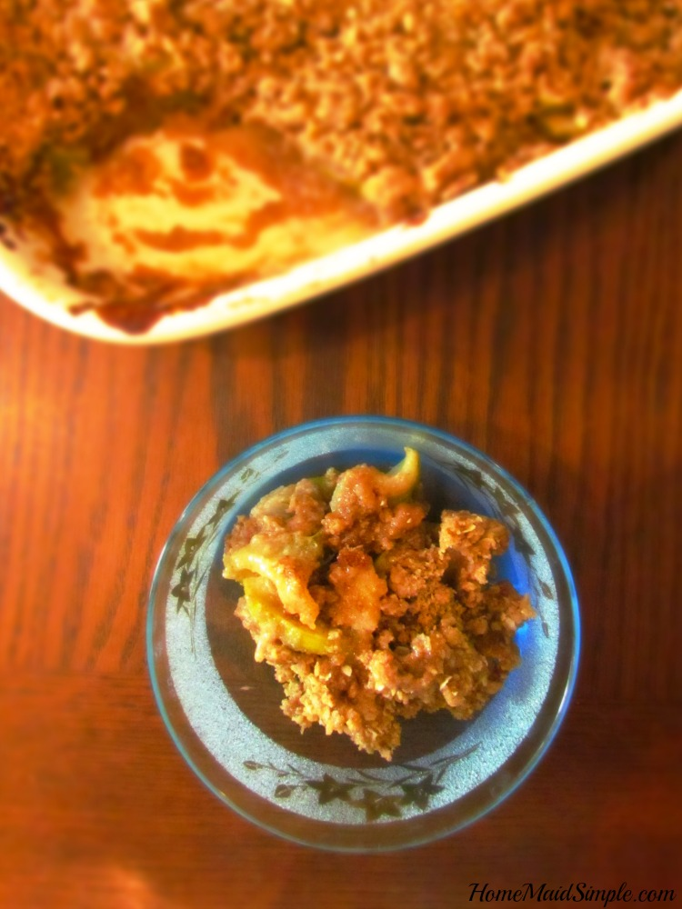 Apple crisp that is finger licking good!