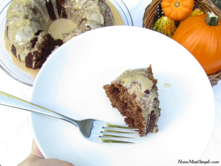 pumpkin-bundt-slice