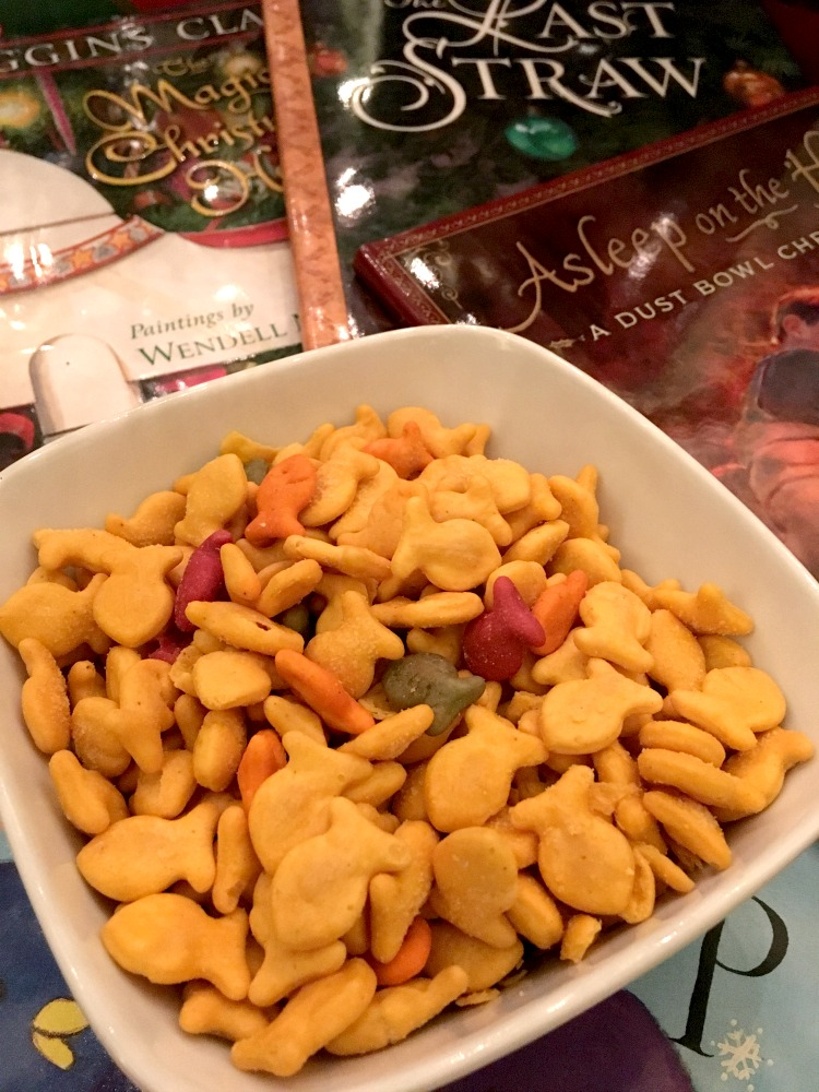 Goldfish crackers help families get in the holiday spirit. ad
