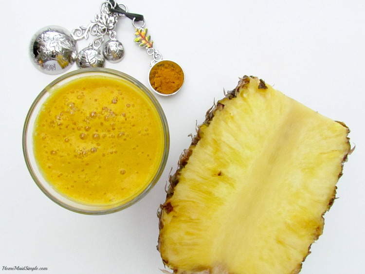 Health Benefits of a Pineapple Turmeric Cleanser + $25 Visa Giveaway