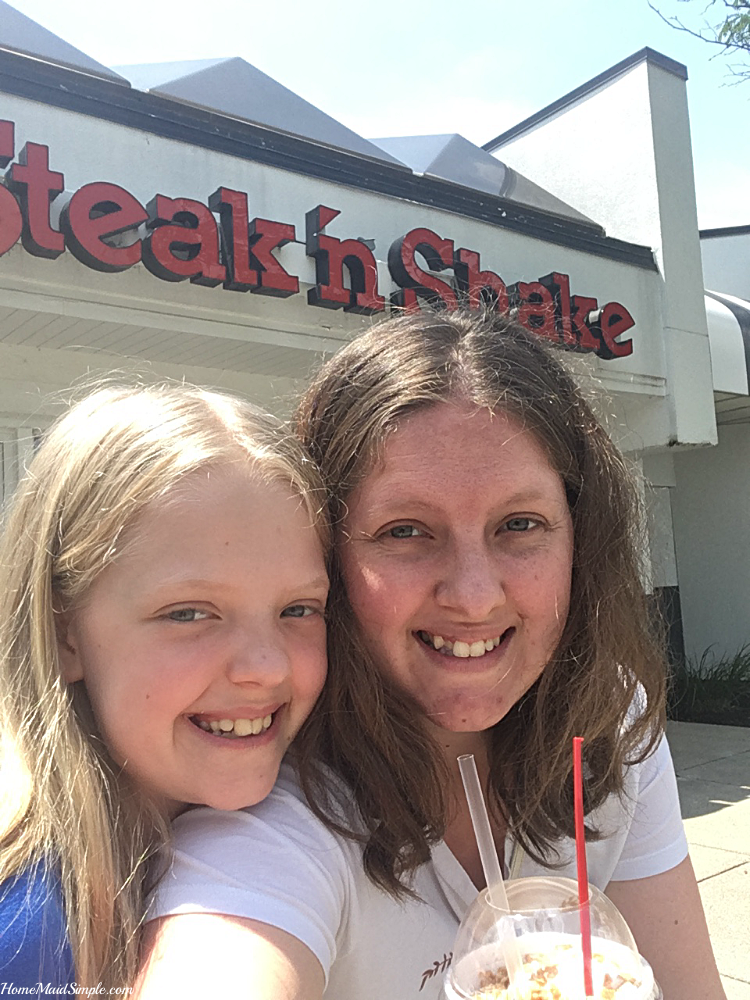 Kids eat free on the weekends at Steak 'n Shake
